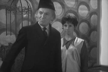The Doctor and Susan in the TARDIS, in the unaired pilot version of An Unearthly Child