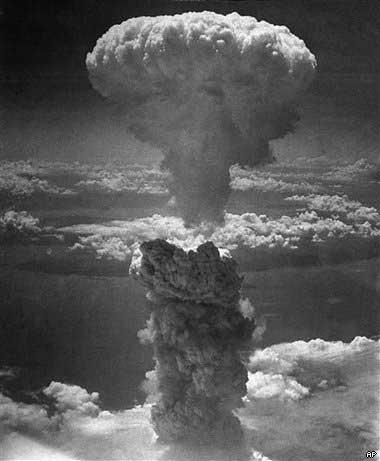 nagasaki_nuclear_bomb1
